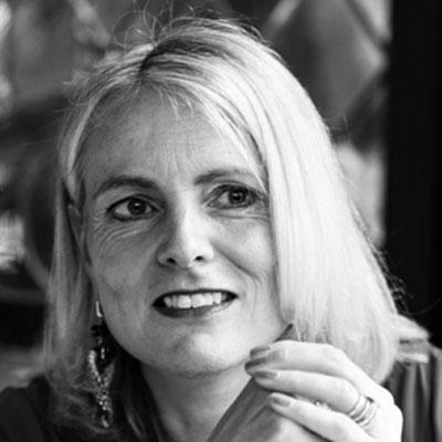 Caroline van der Hout